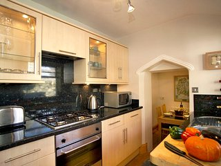 Crofton Cottage: Beautiful Traditional Cottage in Bowness on Windermere