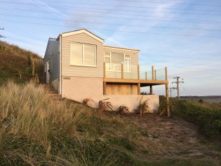 Hi-Up Cornish Chalet with superb views Sleeps 4