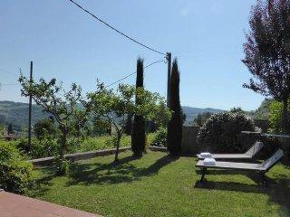 Panoramic garden on level below panoramic terrace