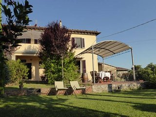 Chianti - sleeps 4 - panoramic private garden - restaurant in walking distance