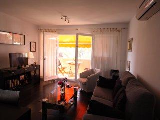Apartamento acogedor y soleado con terraza con vistas a la piscina (Alisios 312)