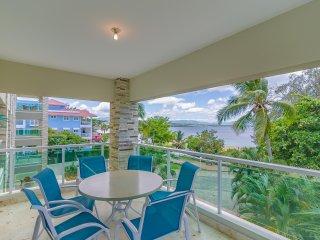 2 bedroom luxury Condo Ocean view