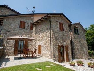 Delizioso appartamento con piscina nella campagna Toscana