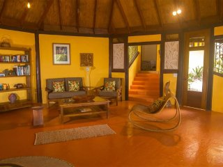 Luxury 3 Bedroom Villa, Botanical Gardens