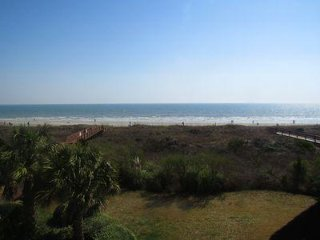 AVAILABLE JUNE 10-24~~~Oceanfront 3 bed/3 Bath with Amazing Views!! Sleeps 8