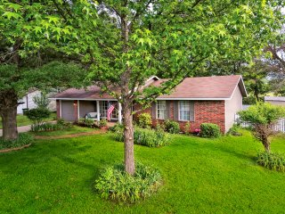 New! Cozy 3BR Fayetteville House w/Fenced-In Yard!