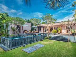 Kotak, 3 Bedroom Contemporary Style Villa, Canggu