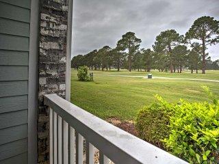 Charming Myrtle Beach Condo on Golf Course!