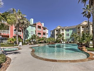 High-End Resort Retreat: Walk to Galveston Beach!