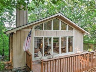 New! 4BR Jasper Cabin w/2 Decks & Splendid Views!