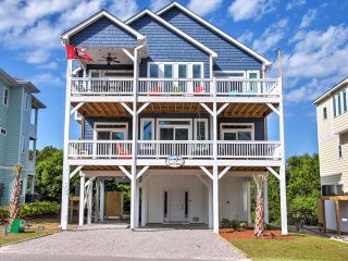 Charming Surf City House w/Elevator, Walk to Beach