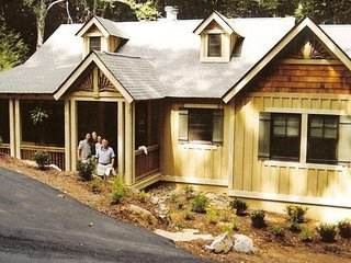 Luxurious Creekside Cottage