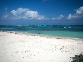 Reef Romance by Grand Cayman Villas and Condos