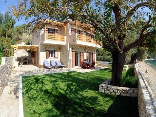 Dolce Villa Dessimi
