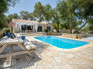 Marmari Cottage (nr Loggos) Sleeps 2-6 with pool