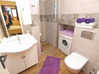 Apartment 9457