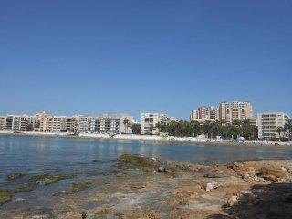 Bonito apartamento con vistas parciales al mar, 1 minuto de la playa