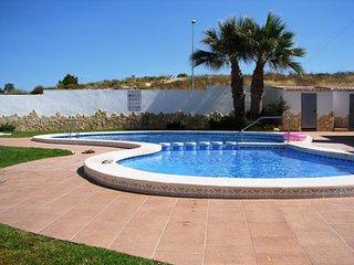 3 Bed Quad Villa / A/C / Wi-Fi / Villamartin #BL1