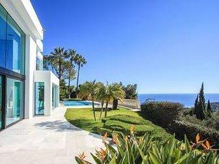 Villa contemporaine surplombant Cap Martin