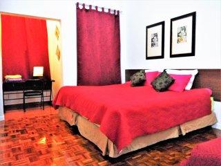 Homestay4u Twin 2 Storey House 4 bedrooms 3BA  free 50Mbps WIFI