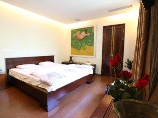 Contemporary Arts Hotel 3