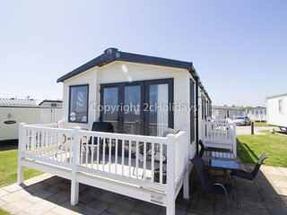 Ref 80041 Shorefield at haven Hopton Holiday park  Stunning sea view with deck.