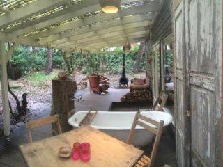 Romantisch overnachten, natuurhuisje, bossuite, sauna, vakantie bungalow