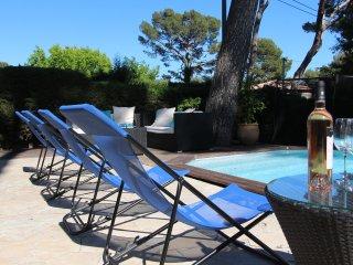 Magnifique Villa style Art Deco, Côte d'Azur, 800 m plage de sable