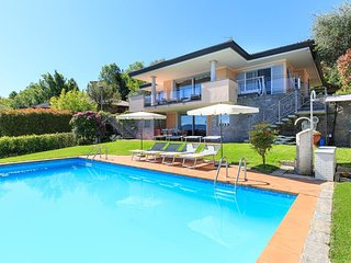 Exquisite villa with pool and fabulous views!
