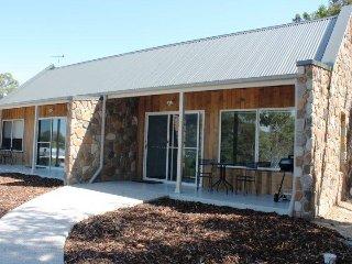 Freycinet Rentals Coles Bay Stone Cottage