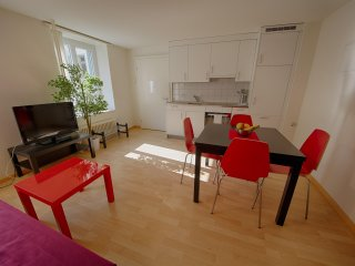ZH Keita - Stauffacher HITrental Apartment Zurich