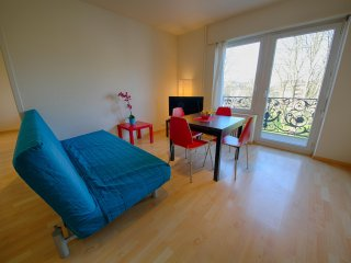 ZH Kuenzli - Stauffacher HITrental Apartment Zurich