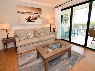 South Seas Bayside Villa 4220. Nicely updated modern decor. Near Beach