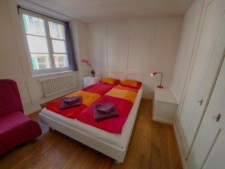 ZH Schmidgasse IV – HITrental Apartment Zurich