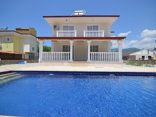 Fethiye Uzumlu Detached Villa For Rent