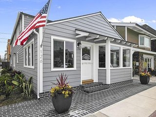 Balboa Island 3 bed 3 bath - Just Remodeled! Luxury Home With AC!
