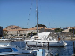 Marseillan house with view over Port Tabarka marina