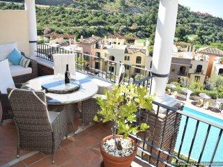 3 Bed Penthouse Apartment with Coastal Views and WIFI Benahavis