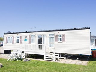 80015 waterways at Hopton Holiday village 8 berth caravan to hire by the beach.