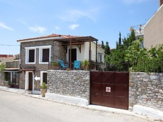 A small Maisonette in Naupactus castle,a breath away from sea, port &city center
