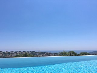 Villa 8 personnes avec vue mer exceptionnelle - Piscine à débordement - Wifi