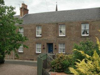 Glenisla House