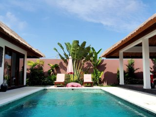❤ $199! 7BR PRIVATE Designer Villa | 2 POOLS! SUNDECK | Loungers | Full STAFF