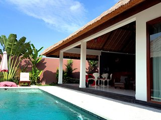 -50% OFF TO 220$! 7BR Private Villa + 2 POOLS. Canggu!