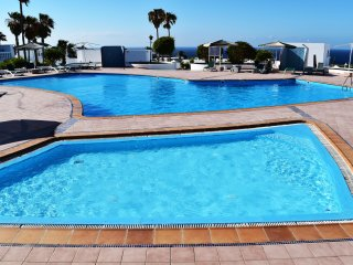 PUERTO DEL CARMEN CENTER WITH POOL AND PRIVATE PARKING