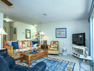 Sanibel, 2 BR Condo on quiet Bowmans Beach, Great Shelling