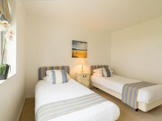 THREE BEDROOM COTTAGE AT THE WEST BAY CLUB & SPA, superb on-site facilities, in