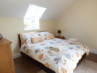 LLOFT GWAIR - HAYLOFT, cosy, pretty accommodation, WiFi, good for walking, near