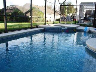 New Hardwood Large Luxury 4BR/3BA Pool/Spa Gated 10 Min Disney