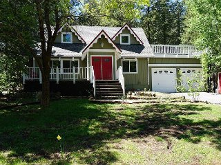 Serene Wooded Newly Updated Home